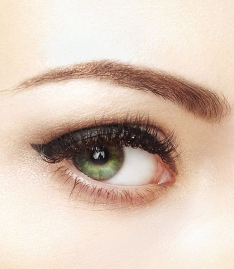 Get the precision of a liquid liner to add intensity to your look! with the Perfect Stay 24H Waterproof Gel Liner