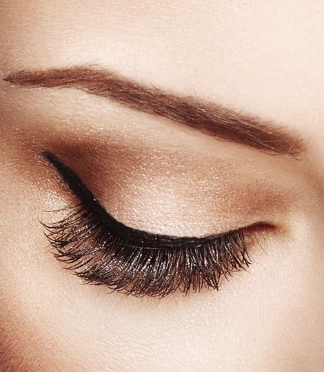 Get ready for an eye catching look!  using the pen to sculpt strong lines and dramatic shapes with ease